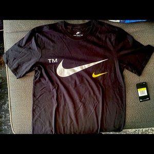 NWT. Men's Nike tee. Size S